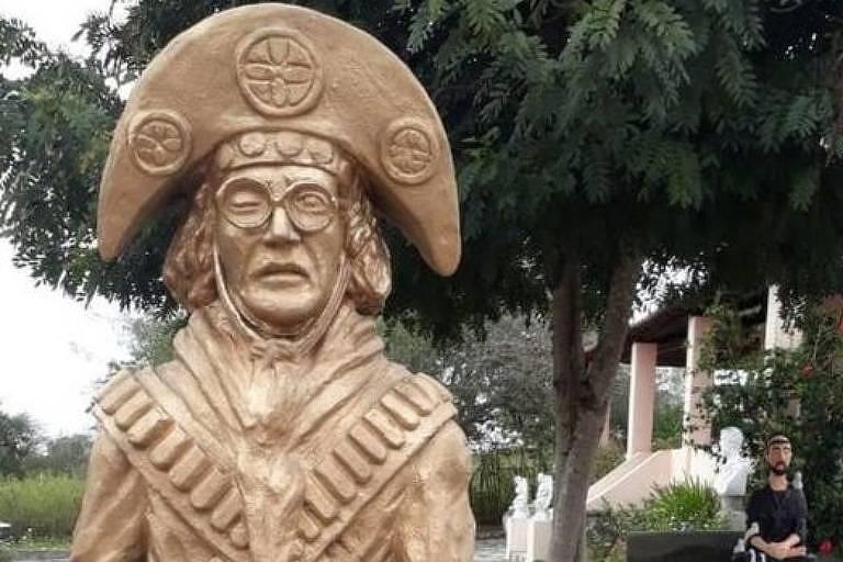 A estátua que a fundação pretende instalar em Serra Talhada