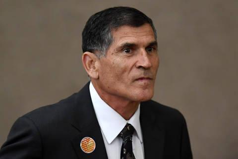 Olavo é desequilibrado, diz ministro general de Bolsonaro