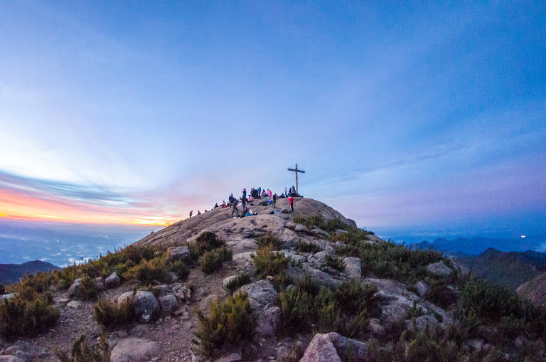 Pico da Bandeira, um dos mais altos do Brasil e a principal atração do Parque Nacional do Caparaó, na divisa entre Minas Gerais e Espírito Santo