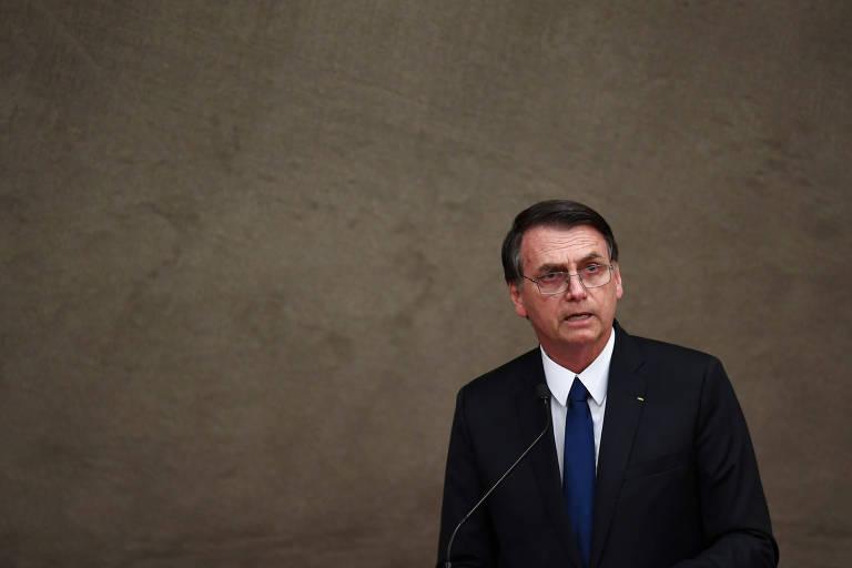 'Frase de Bolsonaro é investida contra os partidos políticos', diz leitor