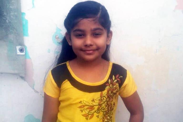 Hanifa Zaara escreveu carta à polícia dizendo que seu pai não tinha cumprido a promessa de construir um banheiro em sua casa