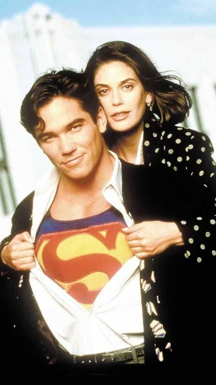 Dean Cain e Teri Hatcher em cena do seriado televisivo 'Lois & Clark: As Novas Aventuras do Superman'