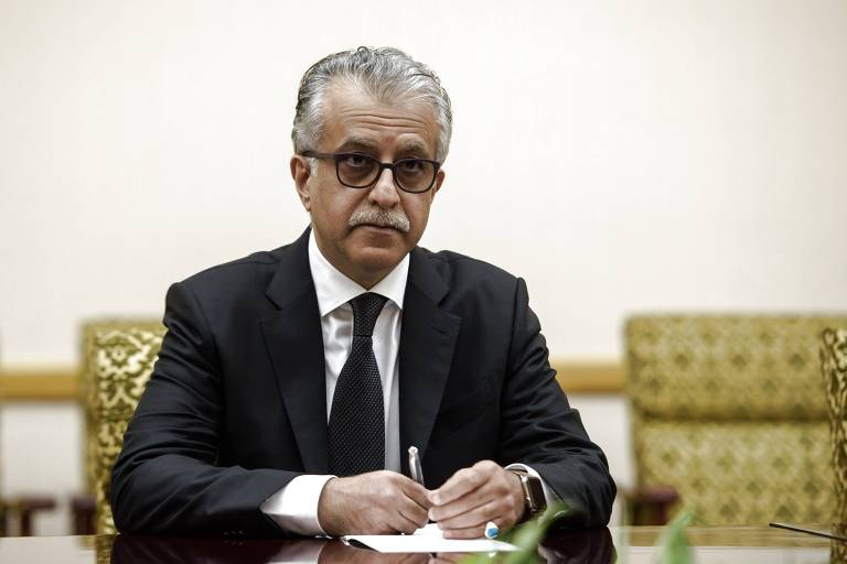 Salman bin Ebrahim Al Khalifa, presidente da Confederação Asiática de Futebol (CAF), durante reunião em Puongyang, na Coreia do Sul