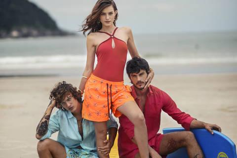 Da esq. para a dir., os modelos Jou Bellini, Renata Sozzi e Jorge Alano vestem looks Vilebrequin