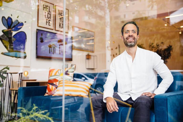 Matheus Ximenes Pinho, sócio-fundador da Muma, na guide shop da marca na Vila Madalena, em SP