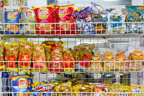 The plastic-aluminum film used to package crunchy snacks is seldom recycled because of low demand. Residents of the United Kingdom buy an estimated 6 billon packets of crisps each year, and 4 billion packets of other salty snacks.