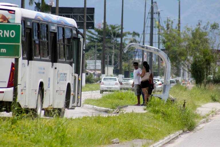 Rota para o litoral paulista em más condições