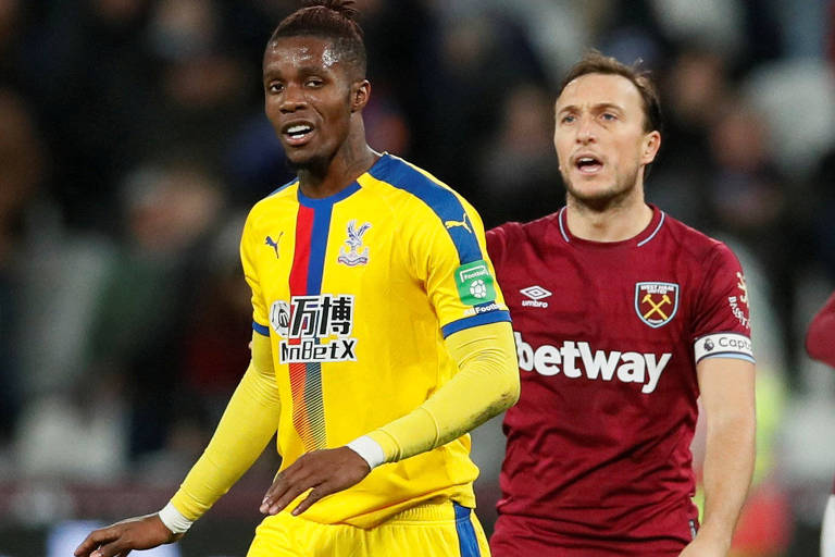 No duelo entre Crystal Palace e West Ham, pelo Inglês, ambos estampam casas de apostas em suas camisas