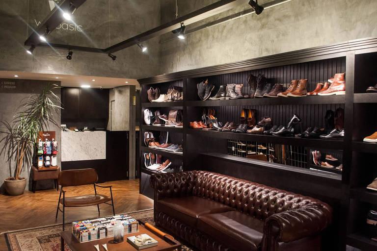 Loja da We Basic em Belo Horizonte (MG), que vende sapatos masculinos e acessórios de couro