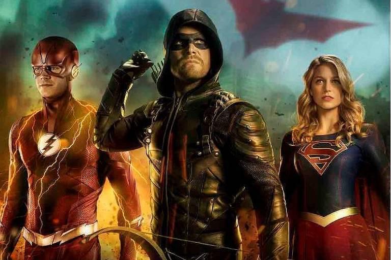 """Três dos personagens mais populares da DC Comics: """"The Flash"""", """"Arrow"""" e """"Supergirl"""""""