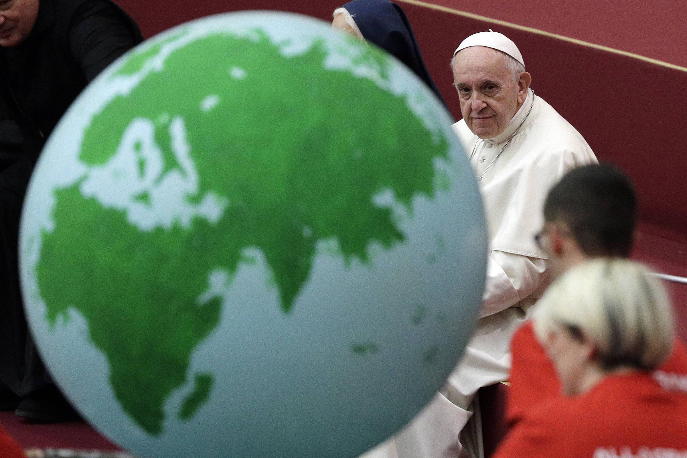 Papa Francisco defende pacto sobre migração que Bolsonaro quer abandonar