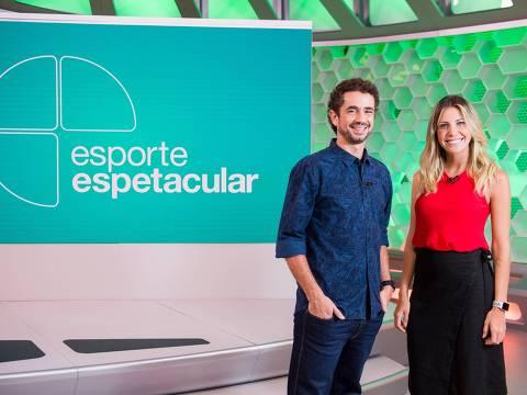"""Bárbara Coelho posa ao lado do novo colega de """"Esporte Espetacular"""" Felipe Andreoli"""