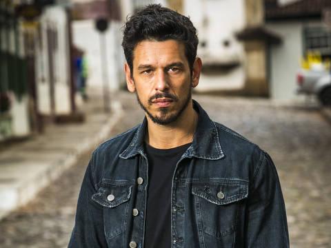 João Vicente de Castro interpreta Alain em 'Espelho da Vida'
