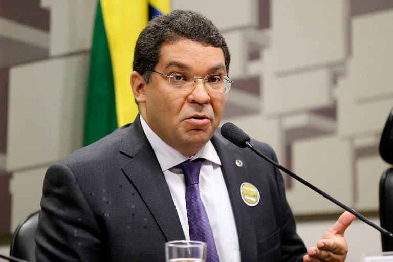Mansueto de Almeida,  secretário do Tesouro