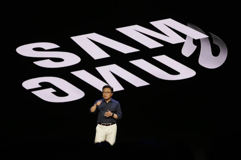 DJ Koh, presidente-executivo da divisão móvel Samsung, em conferência da companhia
