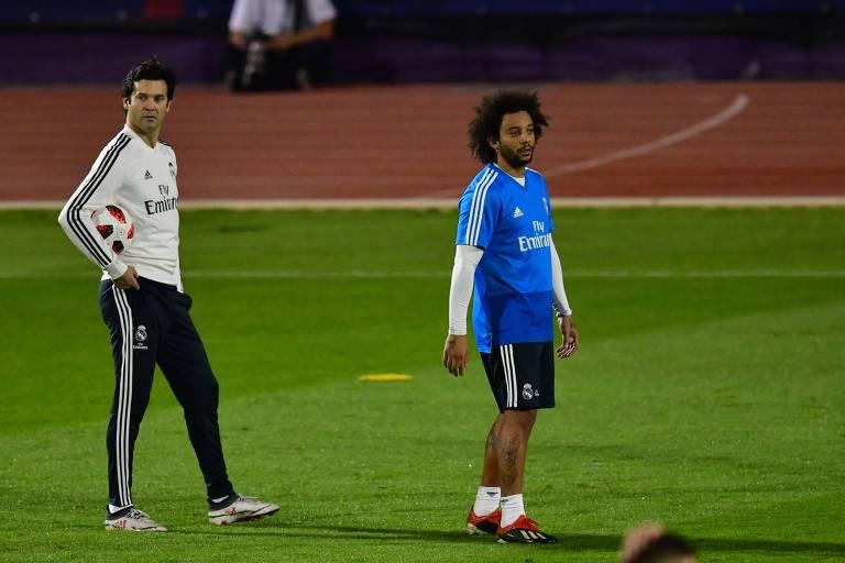 Solari e Marcelo durante treino do Real em Abu Dhabi, antes da semifinal do Mundial