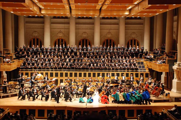 Carmina Burana com a Orquestra Acadêmica de São Paulo e o Coral da Cidade de São Paulo