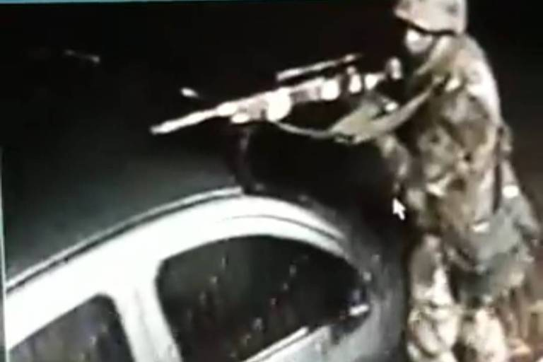 Suspeito usa uniforme militar para roubar agências bancárias em Atibaia, em SP