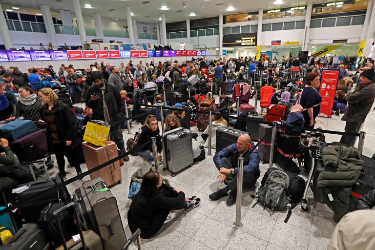 Presença de drones fecha aeroporto de Londres por mais de 24 horas