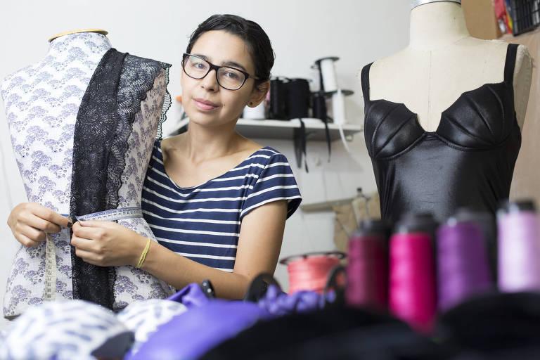 Patricia Galves, estilista da marca Pati Galves, em sua casa em Pirituba