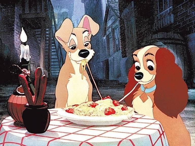 O Vagabundo e a Dama dividem um prato de macarronada