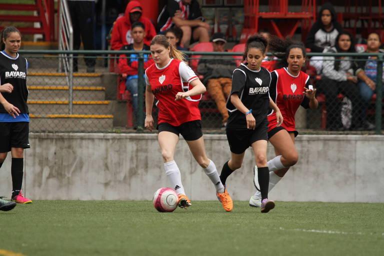 Time feminino do São Paulo treina para o Campeonato Brasileiro deste ano