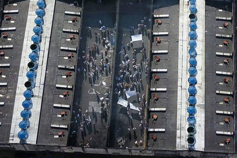 Presos do Centro de Detenção Provisória de Taubaté (SP) em rebelião de agosto deste ano