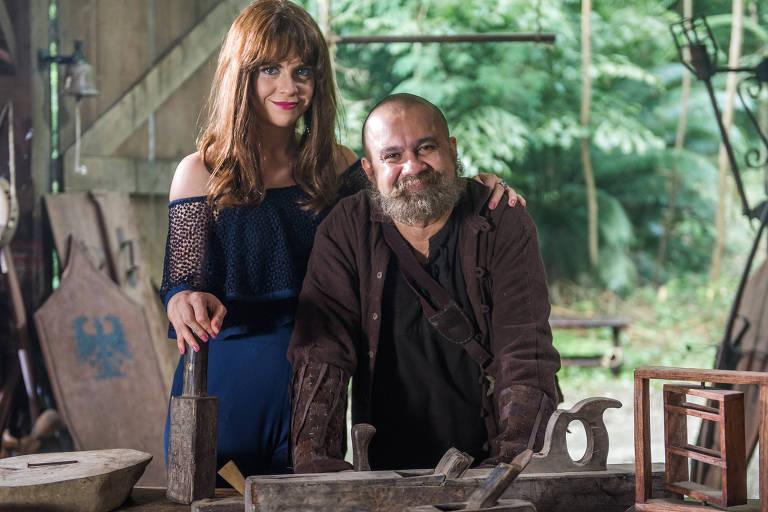 Na sexta e última temporada de 'Tá no Ar: a TV na TV', Renata Gaspar vai virar apresentadora de um programa que receberá Noé (Welder Rodrigues) para ensinar a construir uma arca, em uma paródia da atração 'É de casa'.
