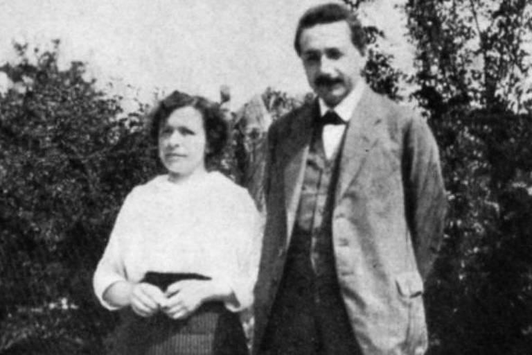 Mileva ao lado de Einstein
