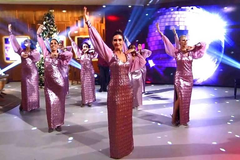 Fátima Bernardes dança com seu grupo de jazz no Encontro