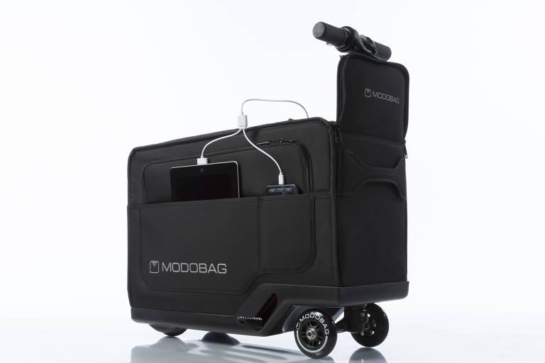 Mala de carrinho com guidão e espaço para sentar