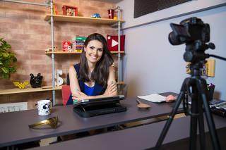 A jornalista e youtuber Nathália Arcuri