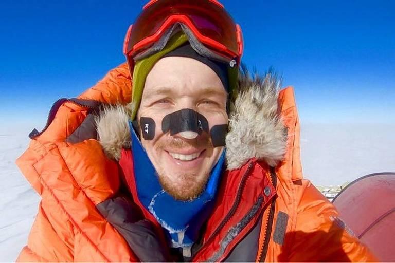 O americano Colin O'Brady, 33, no 49º dia de sua expedição na Antártida
