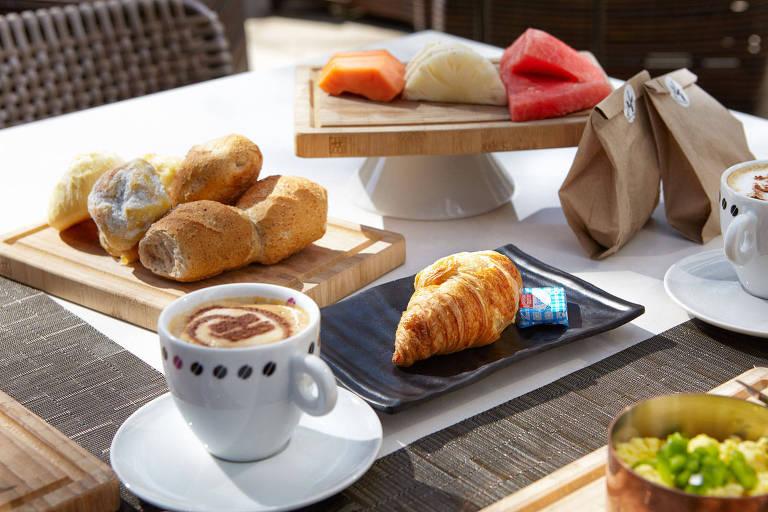 Alguns dos itens do café da manhã do hotel Hilton, em São Paulo; espaço oferece brunch no dia 1º/1