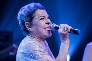 Cantora Miúcha se apresenta em São Paulo