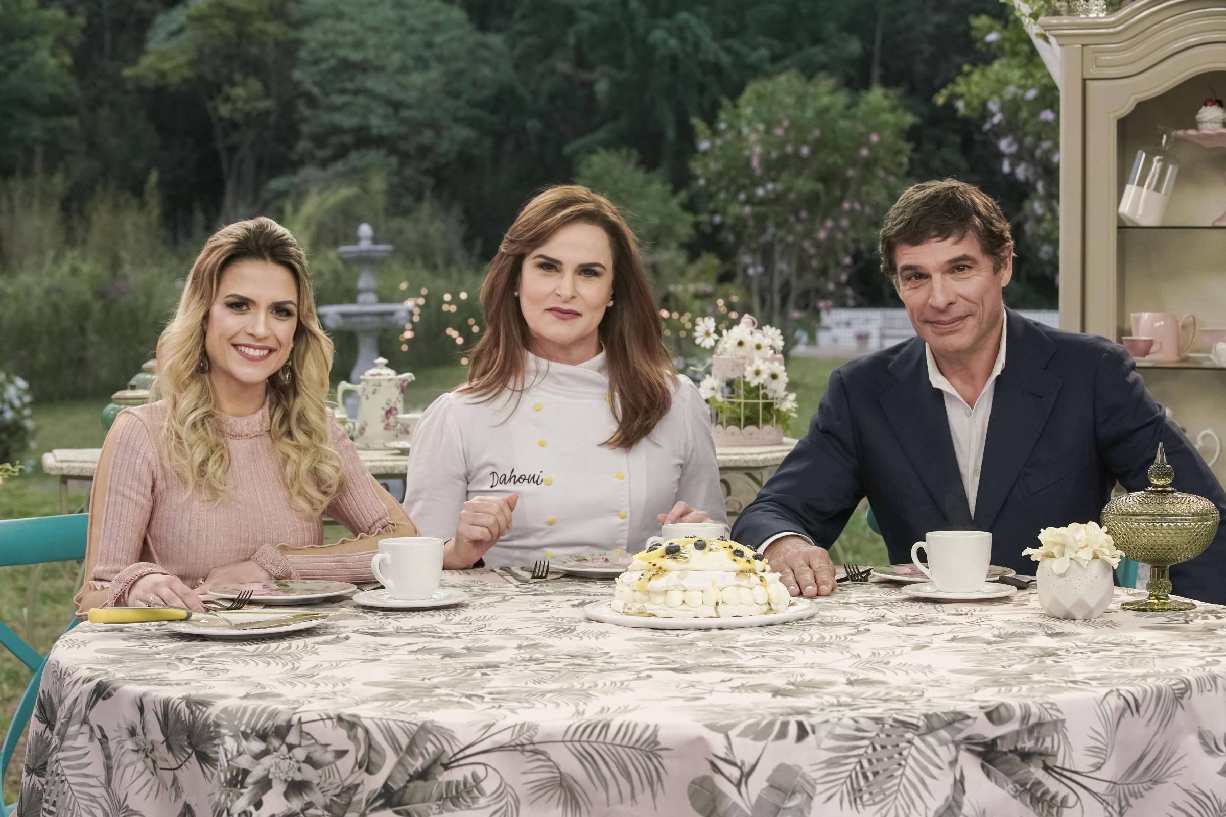 F5 Televisao Bake Off De Ano Novo Tera Chef Danielle Dahoui