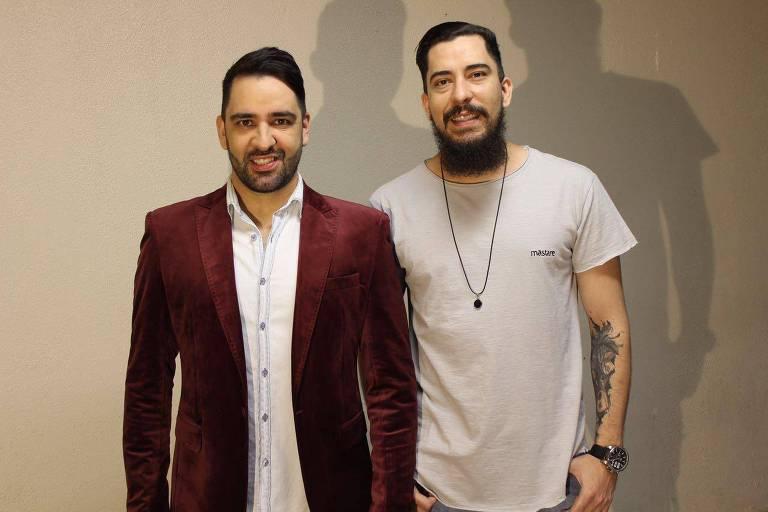 Anderson & Alyson cantam sertanejos próprios e de outros artistas no Villa Country