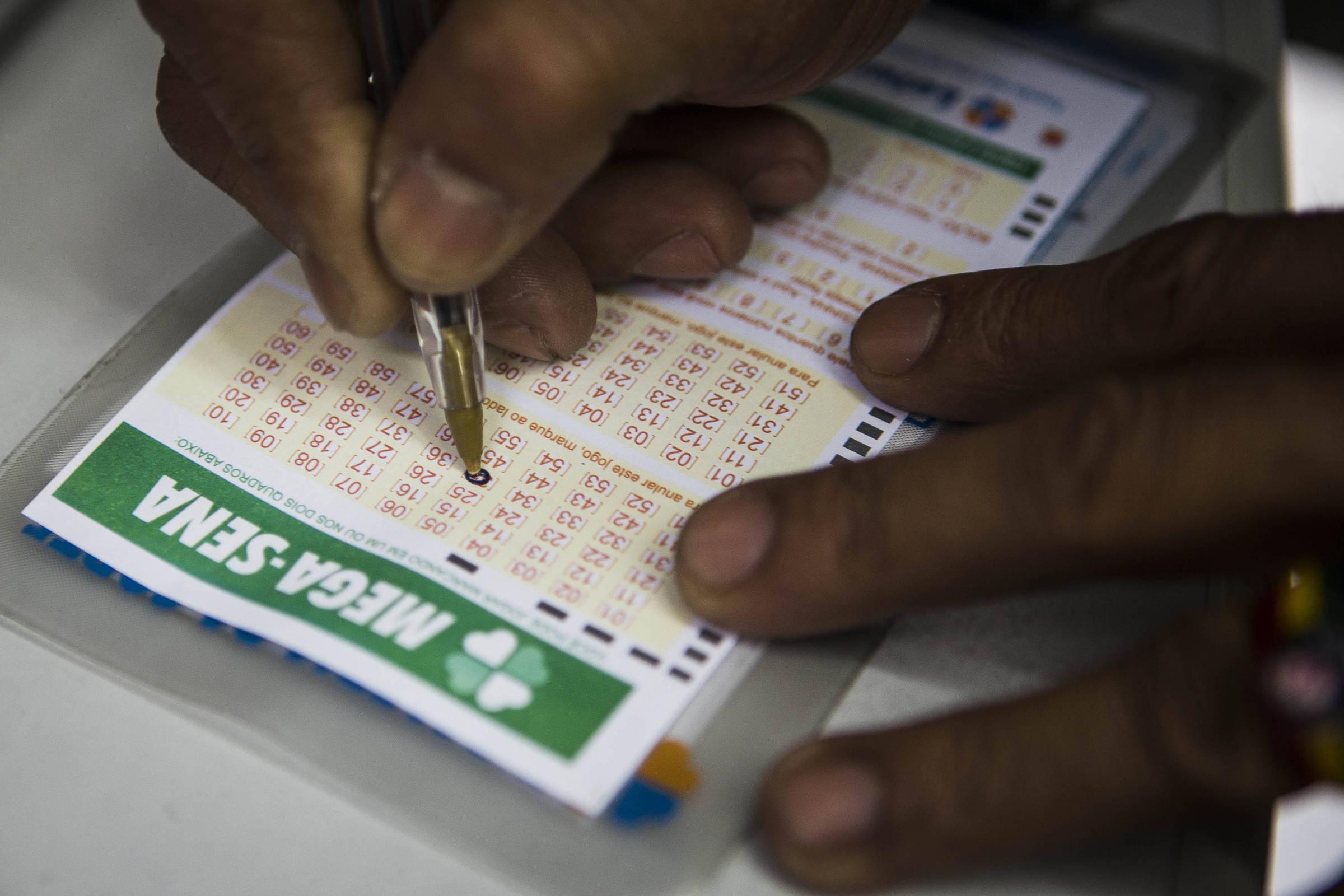 Mega-Sena acumula e prêmio vai a R$ 21,5 milhões
