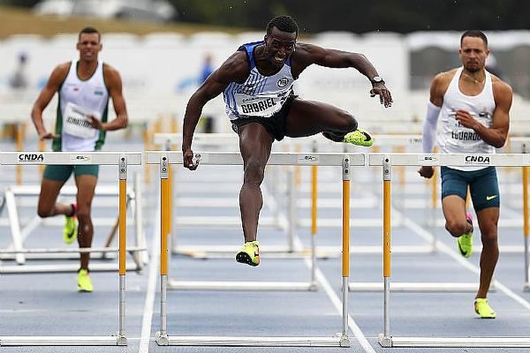 Gabriel Constantino vence os 110 m com barreiras no Troféu Brasil Caixa de Atletismo