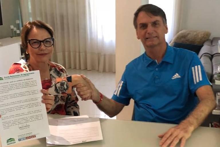 Bolsonaro com a futura ministra Tereza Cristina, durante a campanha eleitoral