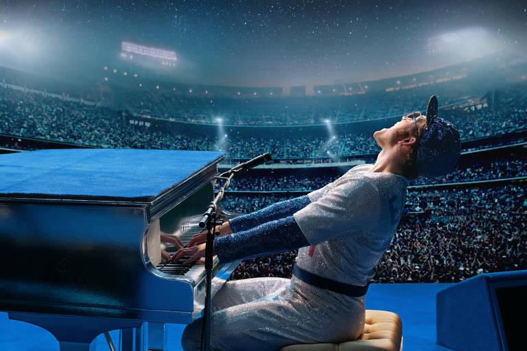Taron Egerton como Elton John no filme 'Rocketman'