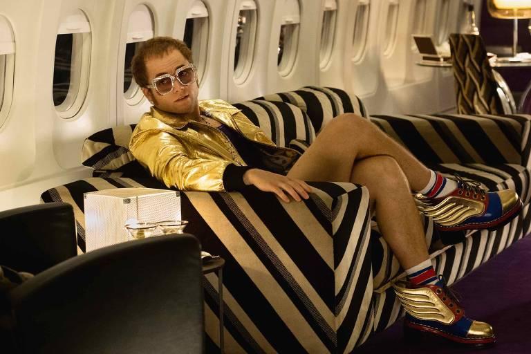 Taron Egerton em cena de 'Rocketman', de Dexter Fletcher