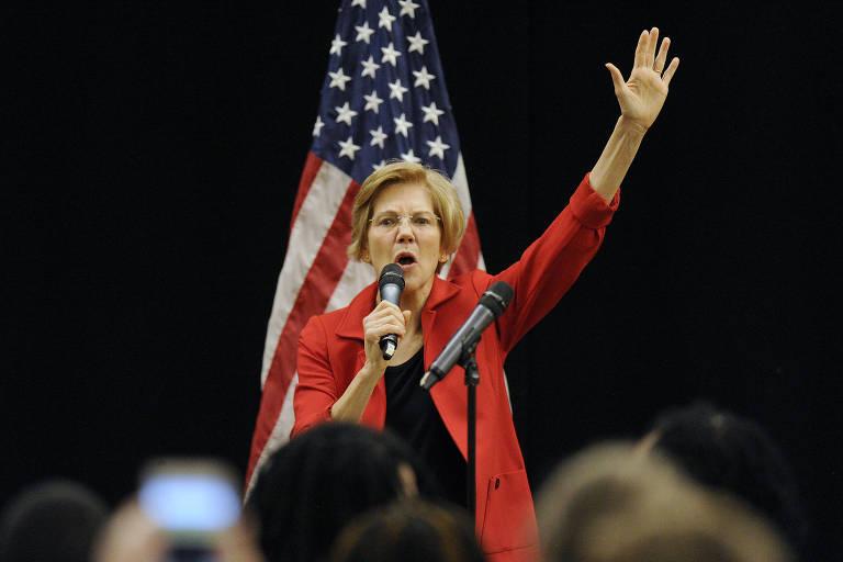 A senadora democrata Elizabeth Warren durante discurso em Roxbury, Massachusetts