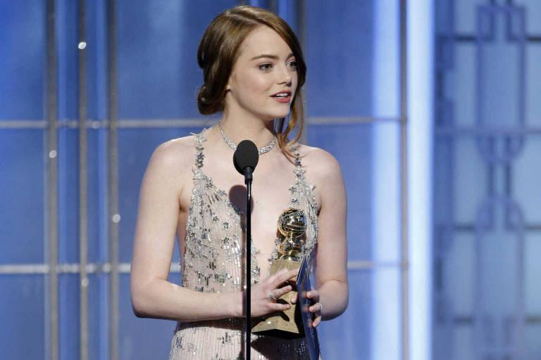 Emma Stone foi a Melhor Atriz no 74º Globo de Ouro