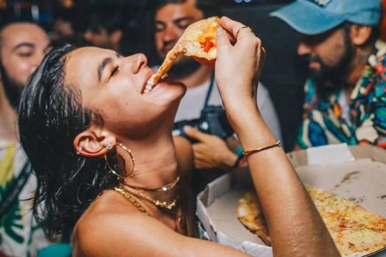 Bruna Marquezine aproveita as festas em Fernando de Noronha