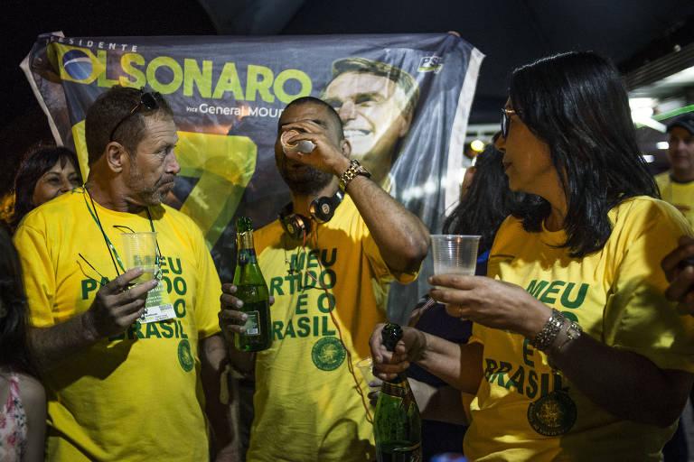 Apoiadores de Bolsonaro fazem caravana para assistir à posse