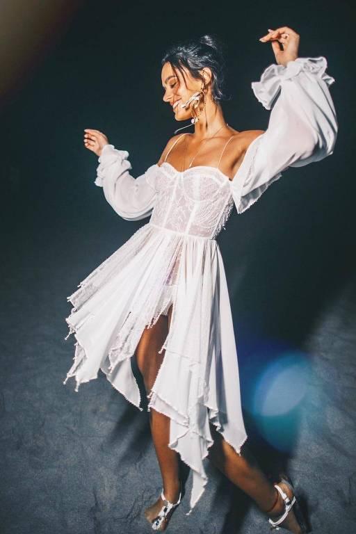 Confira os 'looks' das famosas no Réveillon 2019