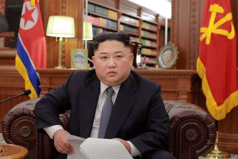 O ditador da Coreia do Norte Kim Jong-un apresenta sua mensagem de Ano-Novo