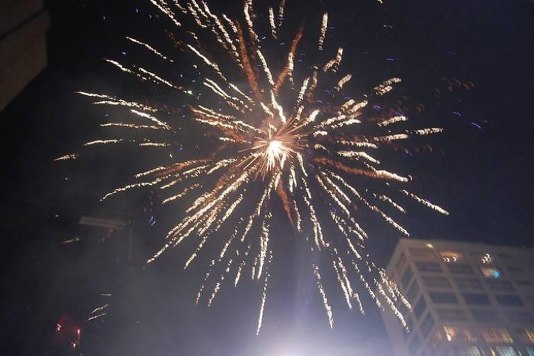 Festa da virada teve 5 mil baterias de fogos na Avenida Paulista