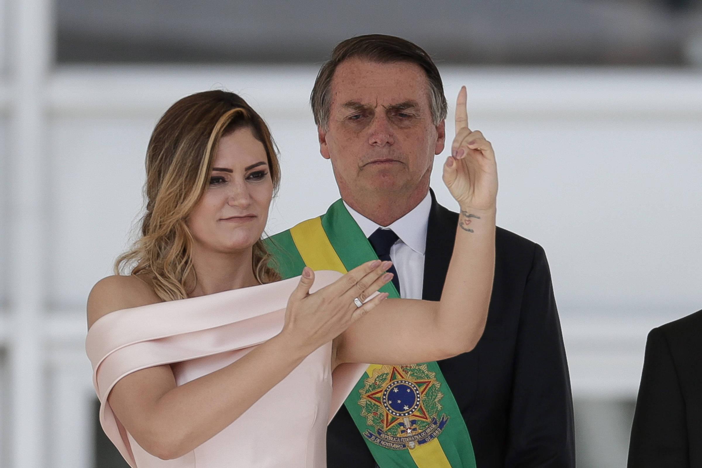 Resultado de imagem para Discurso de Michelle Bolsonaro em Libras teve grande destaque no Twitter globalmente
